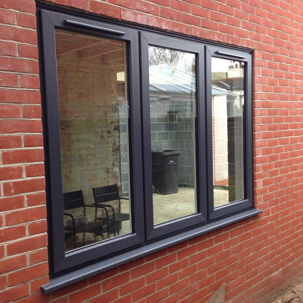 grey-modus-7016-window-standard-sash-trickle-vents